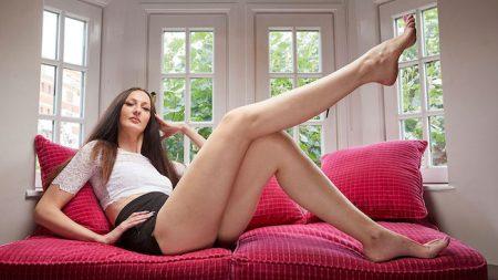 Longest legs female Guinness