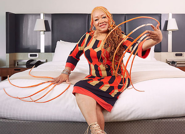 longest fingernails female world record
