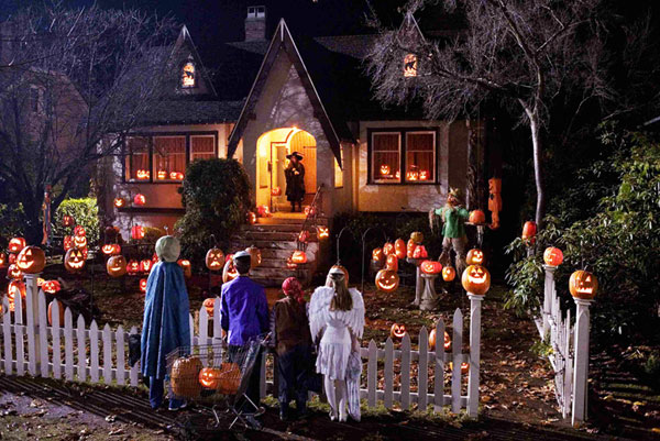 2how and when did the tradition of trick or treating start - Strange Halloween Facts