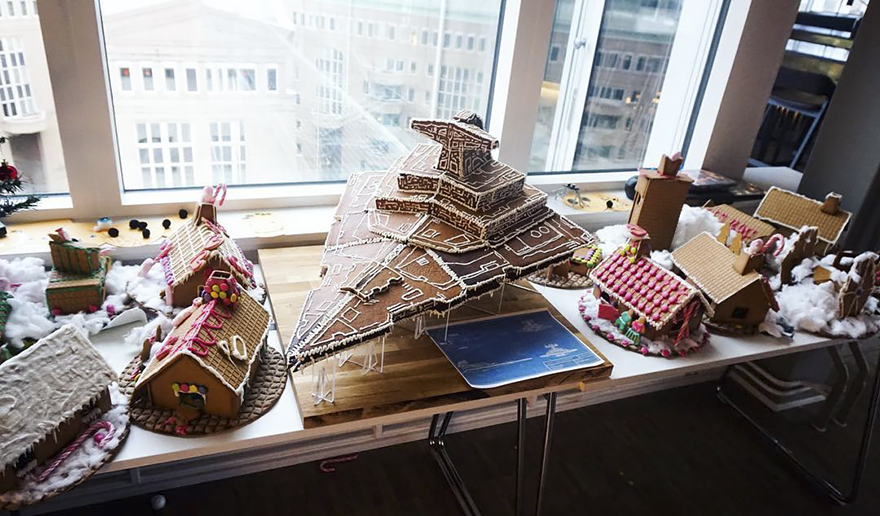 Star-wars-bakery-gingerbread-imperial-star-destroyer