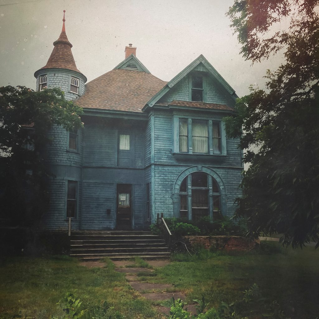 7 Haunted Airbnbs You Can Book Right Now