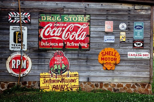 How the Use of Vintage Elements in Visual Advertising Benefits Brands