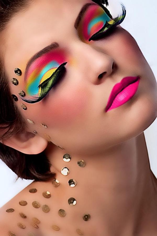 Magnifiek 10 Unbelievable Eye Makeup Trends - Oddee &ZL11