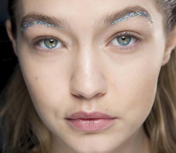 8 Craziest Eyebrow Trends Oddee
