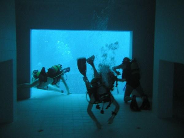 10 Fascinating Swimming Pools Red Pool Biggest Swimming