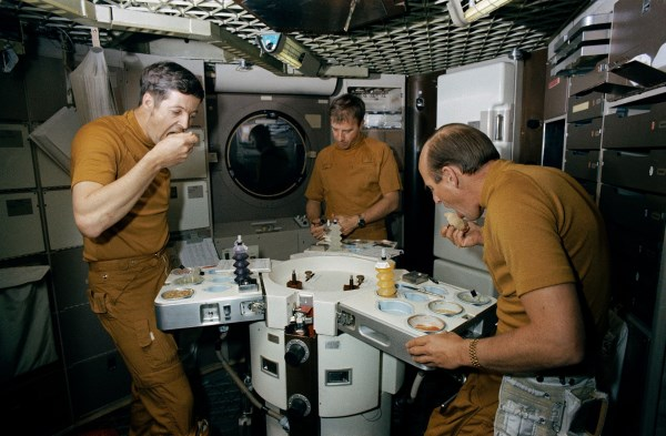 which astronaut remained in the space for the longest period of time - photo #38