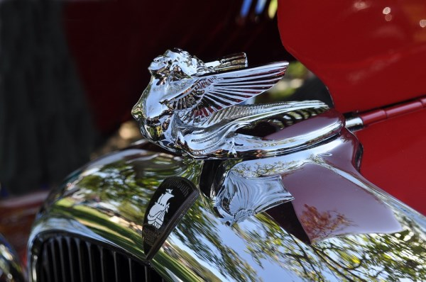 12 Funniest Car Hood Ornaments Oddee