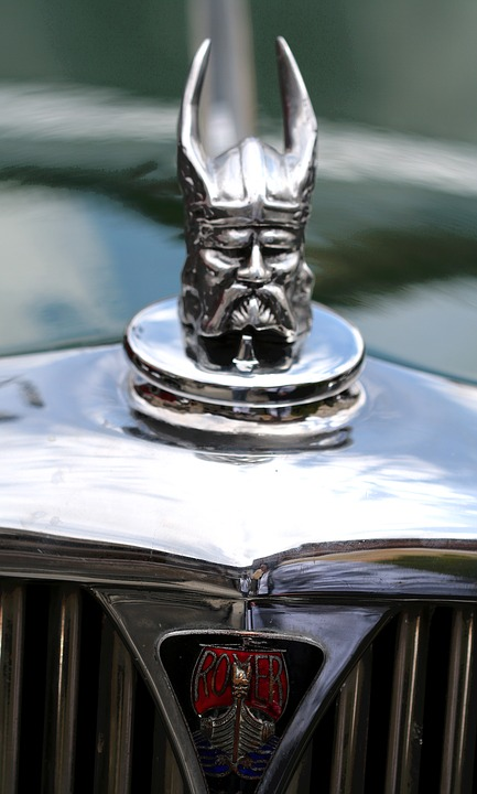 12 Funniest Car Hood Ornaments Oddee