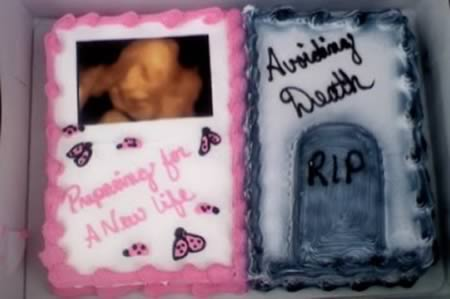12 Creepiest Baby Shower Cakes Baby Shower Cakes Creepy Cakes Oddee