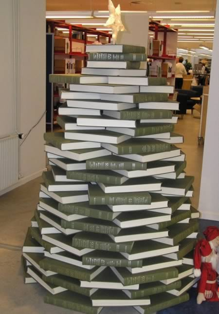 5book christmas tree