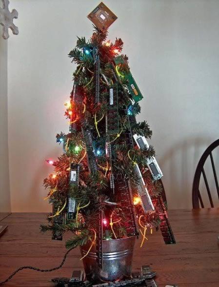 9ram memory christmas tree
