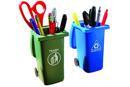 This Fun Set Of Pencil Holders, Or Storage Bins, Are Shaped Like Trash And  Recycling Bins, Complete With Closeable Lids And Scrolling Wheels.