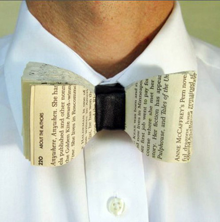 d3913ac1349f Book Bow Tie. Bind some pages in the center with a piece of leather or  fabric. An amazing work.