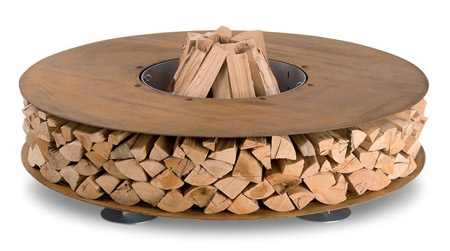 The Zero Fireplace Combines Modern Design And A Rustic Aesthetic With  Ingenious Firewood Storage. This Version Combines An Elegant Outdoor Wood  Fireplace ...
