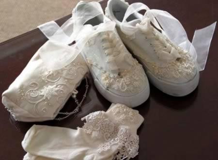 10 offbeat wedding shoes   wedding shoes   oddee