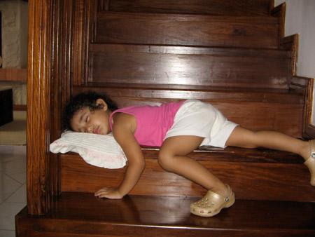 Необычные позы сна