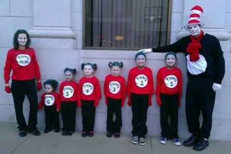 Thatu0027s one big Dr. Seuss family.  sc 1 st  Oddee & 12 Coolest Family Costumes - Oddee