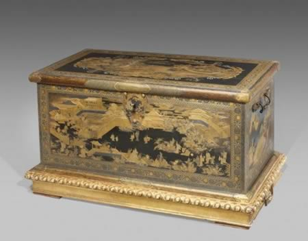 3The Box Used as a TV Stand that Turned Out to Be an Antique Worth $10  Million - 10 Underestimated Items That Turned Out To Be Worth A Fortune - Oddee