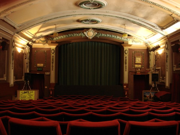 10 Amazing Movie Theaters Theaters Movies Palaces Oddee