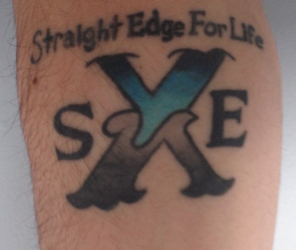 straight edge subculture sxe Straight edge is a subculture within the hardcore punk music scene, defined by its adherents' refusal to use drugs including alcoholabstinence from nicotine is also a prerequisite for claiming edge according to all but the loosest definitions those straight edgers who end up partaking of drugs and/or alcohol anyways are referred to as having broken edge.