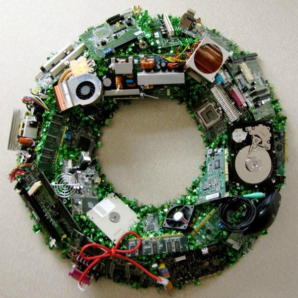 It Christmas.15 Delightfully Geeky Wreaths Christmas Holidays Wreaths