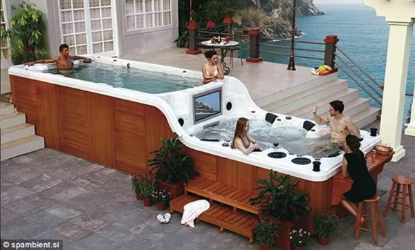 https://www.oddee.com/wp-content/uploads/_media/imgs/articles2/a99194_home-bar_2-jacuzzi.jpg