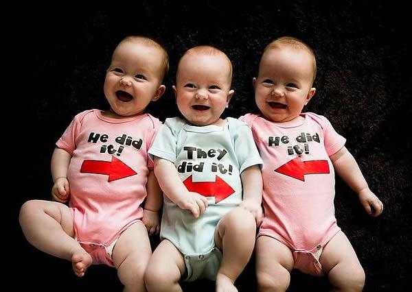 9a5b19e09 16 Coolest Sibling Onesies - Oddee