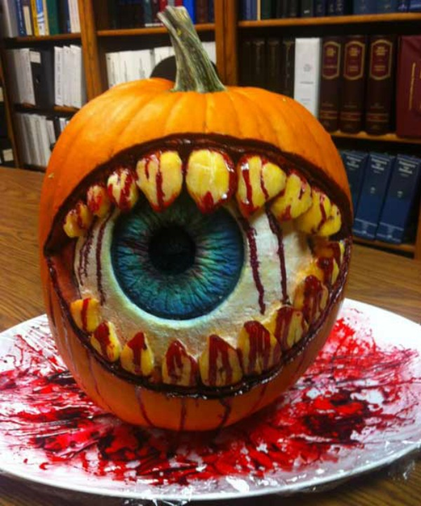 8eyeball mouth - Unique Pumpkin Carving Ideas