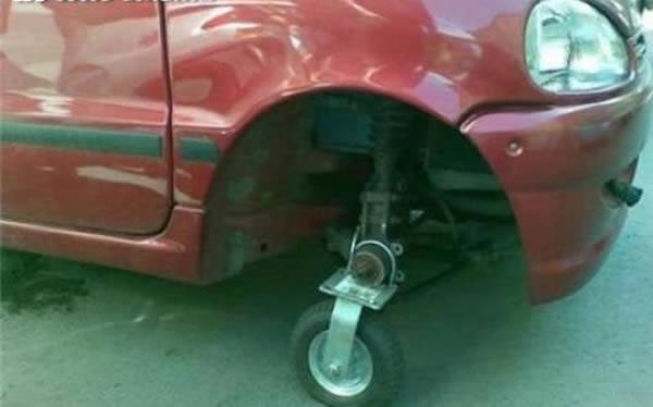 hilarious diy solutions   flat tire oddee