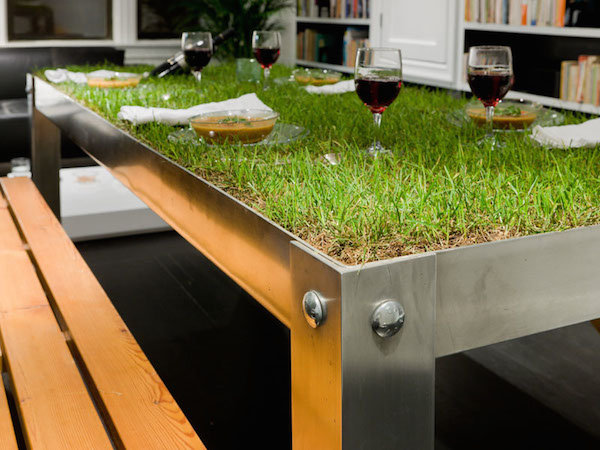 1PicNYC Table - 10 More Cool Tables - Oddee