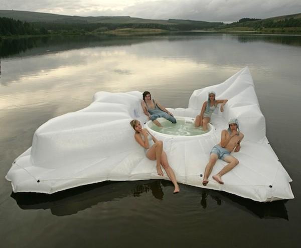 10 cool pool floats oddee. Black Bedroom Furniture Sets. Home Design Ideas