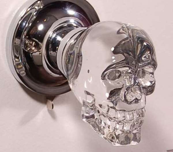 Ghoulishly Cool, This Door Knob Is Designed To Look Like A Perfectly  Polished Tiny Human Skull, And Will Make The Perfect Conversation Piece For  A Modern ...
