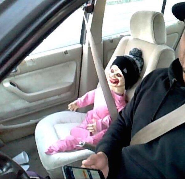 8 Dummies Caught Carpooling Oddee