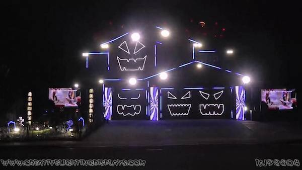 1riverside californias famous halloween house - Awesome Halloween Decorations