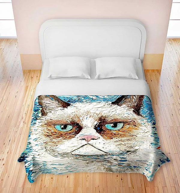 Unique Spend the night with the grumpiest cat on the internet on your bed