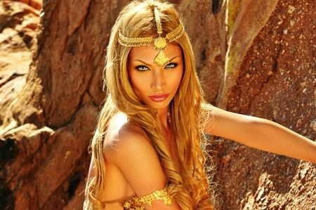 10 Hottest Transexuals